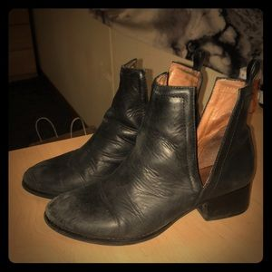Jeffrey Campbell booties size 8